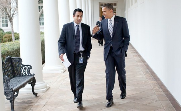 Kal Penn with President Obama